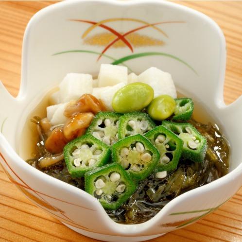 国産具材6種のねばねば昆布和え(惣菜・パン・その他 グルメ・お酒)の画像