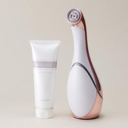独自美容テクノロジー搭載 ツヤのあるハリ肌に! 多機能美顔器 ルクセア ヴィサージュ